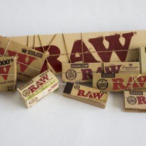 ניירות גלגול RAW קינג סייז BLACK – פאקט 50 יחידות